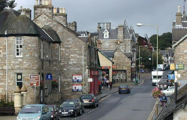 pitlochry_high_street.png